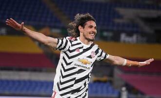 ローマ戦でチーム2点目を決めたマンチェスター・ユナイテッドのカバニ=6日、ローマ(ロイター=共同)