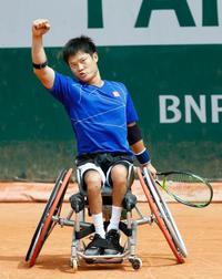 車いすの部で国枝、上地が決勝へ テニスの全仏オープン