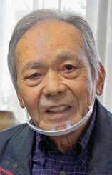 大旗清さんが大学で学べるように決議案を出した幸喜勝さん=2日、浦添市内の自宅