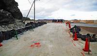 台風被災から19日ぶり仮復旧 沖縄・慶留間島と阿嘉島結ぶ唯一の道路