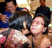 「やっと会えた」親族と涙の初対面 フィリピン残留きょうだい、沖縄訪問