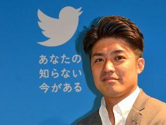 沖縄戦や米軍統治、復帰と激動の時代を体験した「祖父母や両親に負けず、時代に左右されたくない」と語る比嘉さん=東京・TwitterJapan