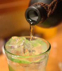 泡盛最高賞に新里酒造と瑞穂酒造、崎山酒造廠 香りや斬新さ評価 全国酒類コンクール