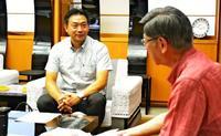 沖縄フェアで売上2億 関東のスーパー「サミット」社長、翁長知事に報告