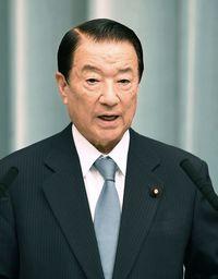 江崎沖縄北方相、新基地と振興策リンク否定 「官房長官が一生懸命取り組んでいる」