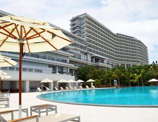26日にオープンする「ホテル オリオン モトブ リゾート&スパ」=本部町備瀬