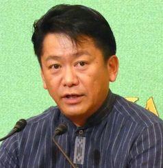 尖閣諸島をめぐる課題などについて講演する中山義隆石垣市長=東京・日本記者クラブ
