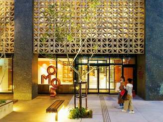 OMO5のモニュメントや花ブロックを配置したホテル外観のイメージ図(星野リゾート提供)