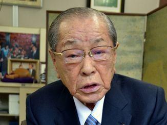 基地政策を進めるにしても、心の触れ合いや沖縄の痛みを忘れた人が増えたと話す野中広務元官房長官=京都市内