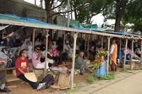 辺野古新基地:荒天に負けず市民120人が抗議