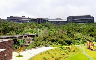 特許出願を増やし、研究の実用化促進に取り組む沖縄科学技術大学院大学=恩納村谷茶