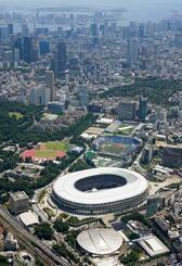 東京五輪開会式が行われる国立競技場=23日午前(共同通信社ヘリから)