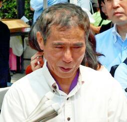 家族を失った悲しみを語る松永真菜さんの父、上原義教さん=3日午前、東京都豊島区