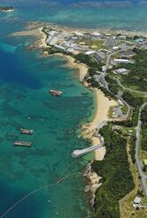 護岸工事が進む米軍普天間飛行場移設先の沖縄県名護市辺野古沿岸部(共同通信社機から)