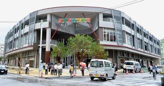 新たにオープンしたのうれんプラザ=17日午前、那覇市樋川