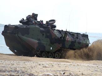 (資料写真)AAV7水陸両用強襲車=2014年撮影
