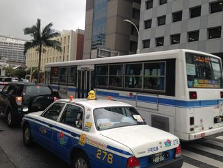 沖縄本島内の路線バスは午前11時出発便から運休となる