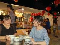 「瀬長島夜市」にぎわう 台湾や東北の本場屋台に舌鼓 第1弾は17日(月)まで