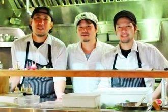 「りょう次」を切り盛りする(左から)前里智也、玉城正成、辻貴広シェフ=トロント市の居酒屋「りょう次」