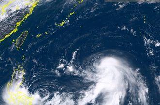 ひまわり8号リアルタイムwebがとらえた11日午後12時10分現在の台風18号