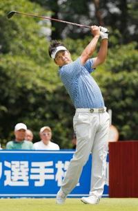 男子ゴルフ、野仲が単独首位 関西オープン第1日