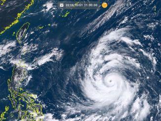 台風25号(1日11時30分現在、ひまわり8号リアルタイムwebから)