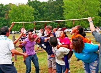 子どもも大人も参加し、交流を深めたピクニック