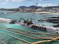 土砂投入・承認撤回 国と沖縄県が神経戦 知事選を前に県民感情測る