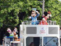ミッキーが名護に来た!「かわいかった」満面の笑み ディズニーパレード