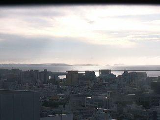 那覇市久茂地の本社ビルからは慶良間諸島が見えました