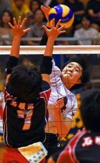 バレーボール全沖縄中学選手権:伊波、初の女王 男子美東42年ぶりV