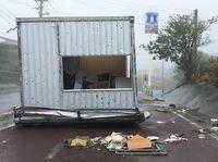 連続台風、沖縄経済に打撃 キャンセル2千人 1億円吹き飛んだホテルも