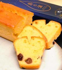 泡盛「久米島」「美ら蛍」を使ったパウンドケーキ「島の滴」