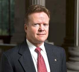 元米上院議員のジム・ウェッブ氏