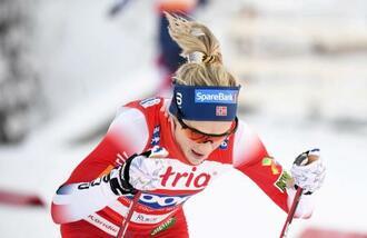 スキーW杯距離女子10キロクラシカル、優勝したテレーセ・ヨーハウグ=28日、ルカ(ロイター=共同)