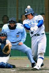 中部商高時代の山川穂高。4番として、高校通算27本塁打を放った