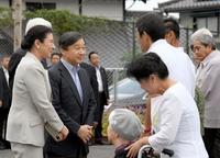 皇太子夫妻、福岡の豪雨被災地に 朝倉、懇談も