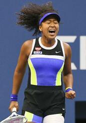 テニスの全米オープン女子シングルス決勝でガッツポーズする大坂なおみ選手=12日、ニューヨーク(USAトゥデー・ロイター=共同)