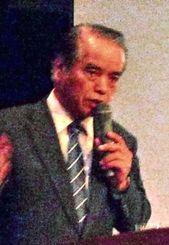 沖縄の市場の魅力について持論を語るイオン琉球の末吉康敏会長=10日、ANAクラウンプラザホテル沖縄ハーバービュー