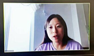 感染防止のため、テレビ会議システム「Zoom(ズーム)」を使った取材に応じる中山由紀子さん=4月21日