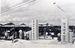20日の開市を前に行われた農連中央市場の落成式。沖縄で初めてのアドバルーンをあげ、その完成を祝った=1953年6月18日、那覇市樋川