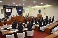 普天間への外来機飛来、宜野湾市議会が抗議決議 一日も早い閉鎖返還求める