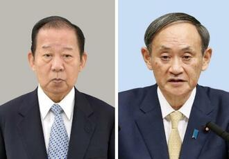 自民党の二階俊博幹事長(左)、菅義偉首相