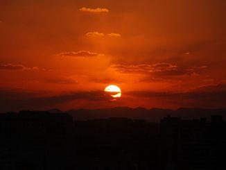 沖縄も日没の時間が早くなってきました