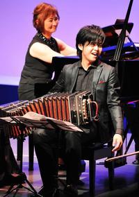 三浦一馬さんが誘う、音楽の世界旅行 タイムスホールでバンドネオンコンサート