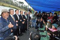 選挙区当選の4氏がゲート前訪問 辺野古