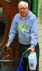 晩年のモーラーさん。体調が悪く、枯れ葉剤の影響だと考えていた=2012年、米オレゴン州(提供)