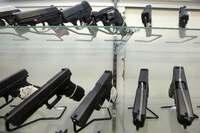 銃浸透、アメリカ国民の3割所有 「自衛のため」規制進まず
