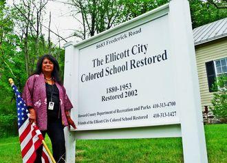 メリーランド州エリコット市で2002年に復元されたカラード・スクール(白人から隔離された黒人だけを対象とした学校)でボランティアガイドを10年余り務めるマティ・ヘイズさん