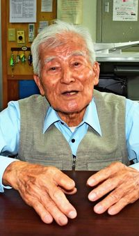 [語れども語れども・うまんちゅの戦争体験](324)/屋比久次郎さん/88歳、那覇市/空襲警報 卒業式を奪う